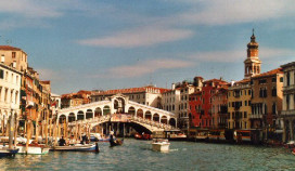 Toeristen betalen restauratie Venetië