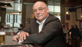 Voormalig Schouwburgdirecteur verdacht van poging tot omkoping cateraar