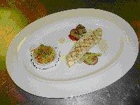 Gegratineerde king krab met gemarineerde, gegrilde tongfilet en gegrilde groente