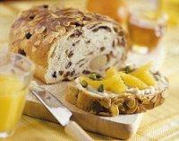 Paasbrood met mascarpone en sinaasappel