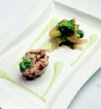 Aardappelen-paddestoelentaartje met gebakken kropsla