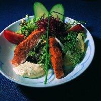 Salade met huisgerookte zalm