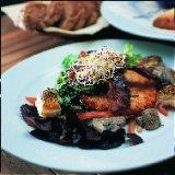 Aardappeltoast met spek, spinazie en champignon