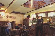 cafetaria Sint Janneke ingericht in kerkstijl