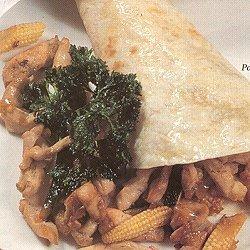 Kleine kaart gerechten/broodgerechten met maïs