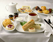 Smakelijke afternoon tea gerechten
