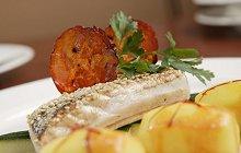Zeebaarsfilet met saffraanaardappel en bouillabaisejus