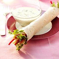 Wraptortilla's gevuld met bleekselderij-krabsalade