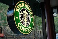 Starbucks gebruikt stations als springplank