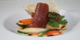 Gewokte asperges met in teriyaki gemarineerde tonijn (Azië)