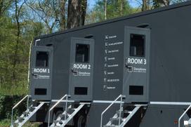 Mobiel hotel in vrachtwagentrailer
