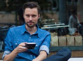 Ex-Latte Art-kampioen start koffiebranderij