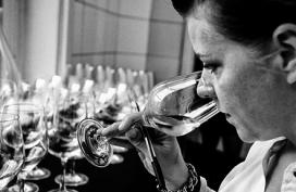 Eigen wijn in gelimiteerde hoeveelheid van 't Schulten Hues*