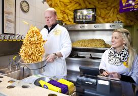 Manneken Pis krijgt prijs voor hergebruik frituurolie