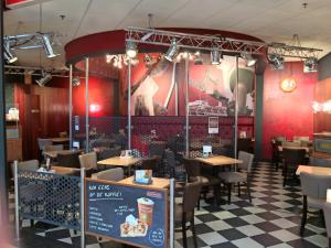 Cafetaria Top 100 2014 nummer 66: Verhage Fast Food Zuidplein Rotterdam, Zuidplein Rotterdam