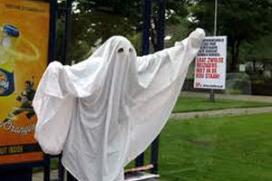 Spookstudenten draaien cateraar rad voor de ogen