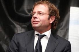 Chris Luken verkoopt Olympic Hotel aan Chinese investeerders