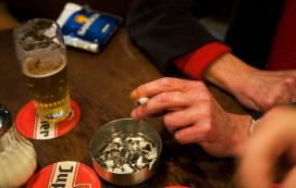 Caféondernemer Bergen op Zoom omzeilt rookverbod