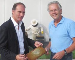 Eerste honing Van den Boer bijen
