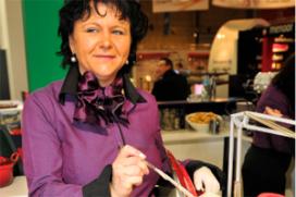 Ella de Haas krijgt Misset Catering Award voor gastvrijheid