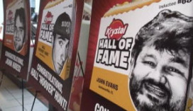 Trouwe hamburgerfans in Hall of Fame