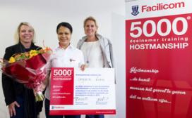 5000ste certificaat hostmanship voor Facilicom