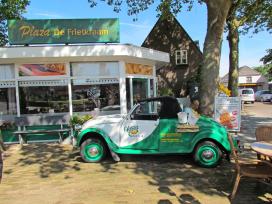 Cafetaria Top 100 2014 nummer 68: Plaza De Frietkraam, Mill