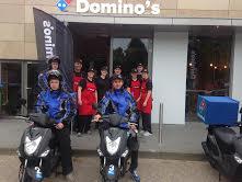 Domino's pizza gaat klanten op straat volgen
