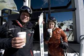 Starbucks op besneeuwde berg van 2.400 meter hoogte
