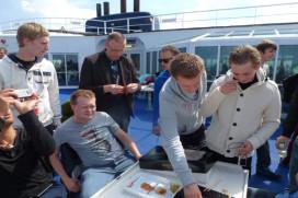 Foto's bezoek sterklas aan Noma