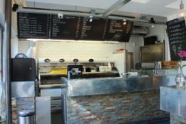Foto's: friet en gin-tonic bij Tante Nel in Rotterdam