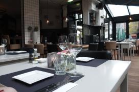 Creditcardgegevens opvragen voorkomt lege stoelen restaurant