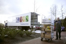 Deli XL introduceert cafetaria franchiseformule Restaria