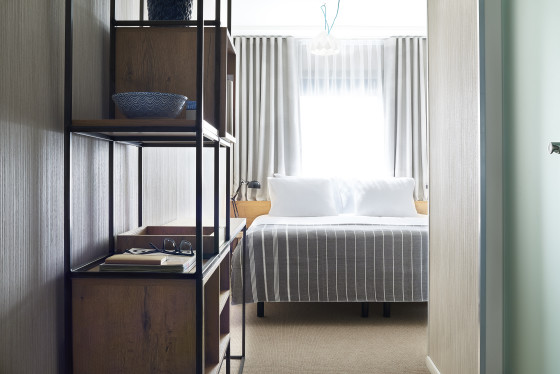 Standard good hotel amsterdam double bed room  560x374