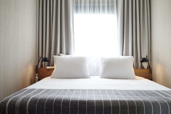 Standard room good hotel amsterdam double bed  560x374