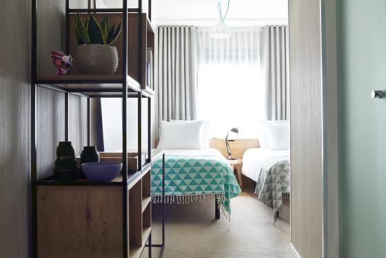 Standard room good hotel amsterdam twin bed room 560x374