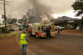 Auto rijdt kroeg binnen, twintig gewonden