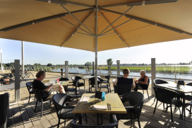 Foto's nummer 5 Terras Top 100 2015: Brasserie Hotel Doesburg, Doesburg
