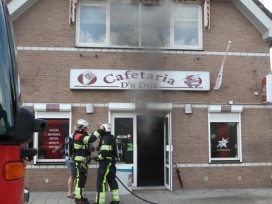 Brand legt cafetaria deels in de as