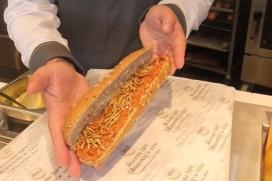 Broodje Meelworm bij tankstation Total