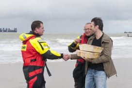 Sergio Herman en Syrco Bakker nemen eerste oesters in ontvangst