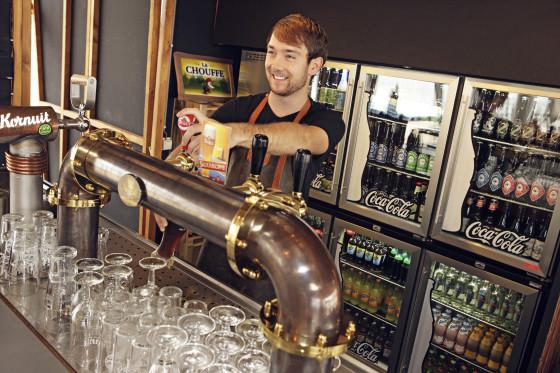 1. craft beer bar 560x373
