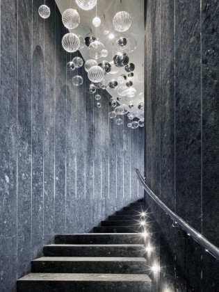 Spa swimming pool staircase 1 315x420