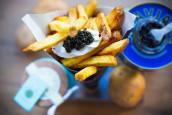 Frietje met kaviaar bij de Amsterdamse Frietboutique