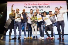 Het team van NRCafé dat in 2015 de Gouden Apenstaart won.