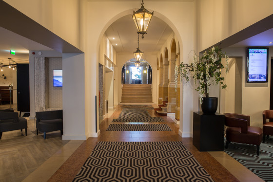 Entree hotel 560x374