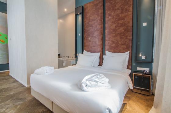 Hotel de hallen junior suite 1 560x373