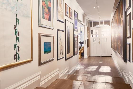 Suites art collectors corridor 560x374
