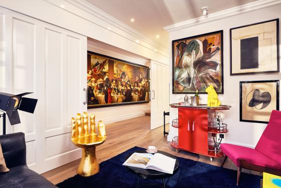 Suites art collectors overview 560x374