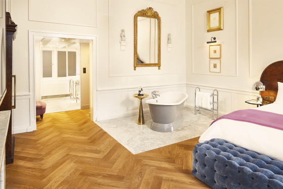Suites pulitzers suite bathtub 560x374